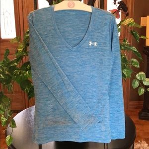 Under armor dry fit xs women's top like new